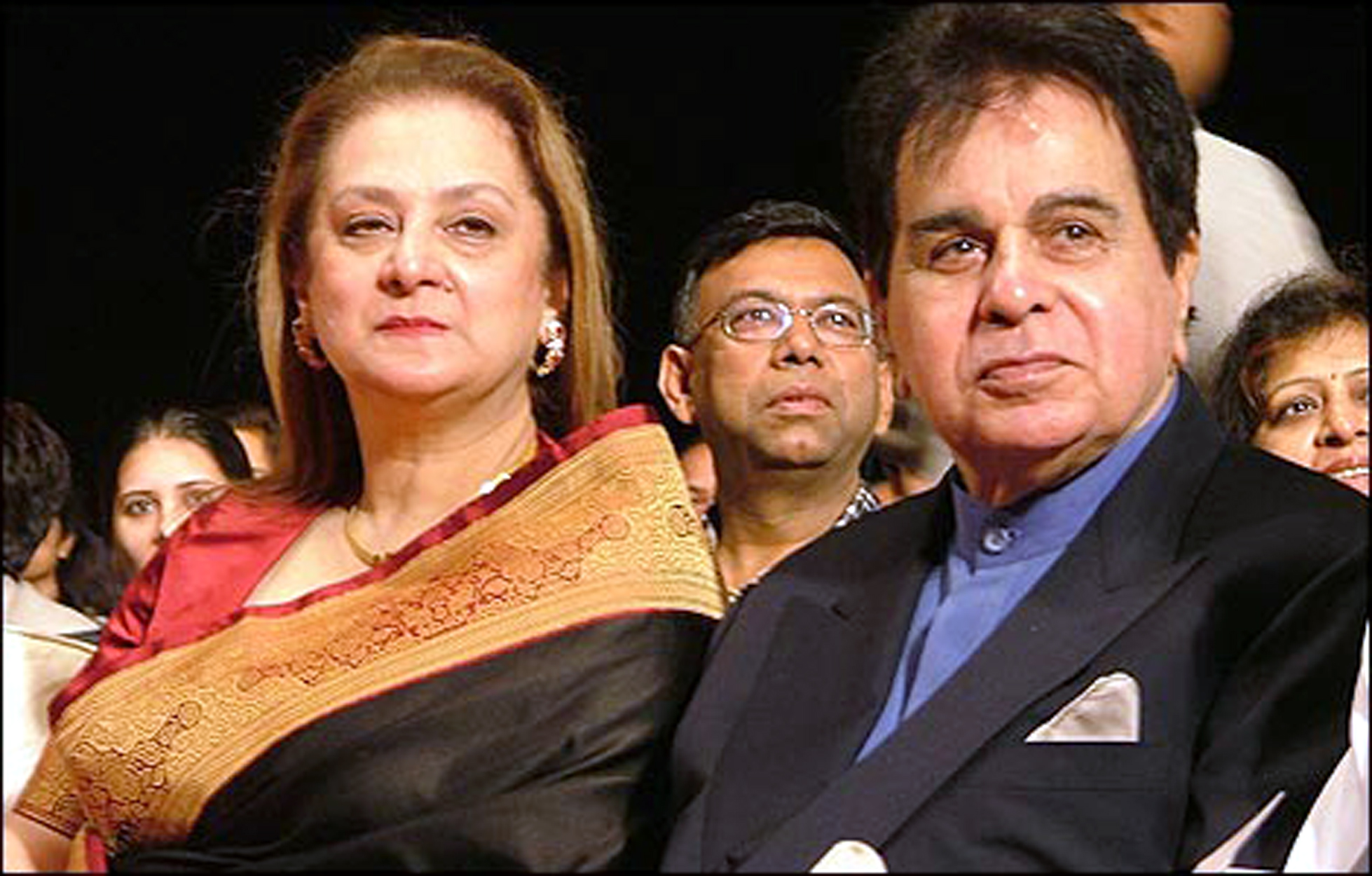 dilip-kumar_with-wife-saira-banu