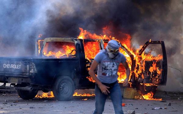 burning-truck_2339739k