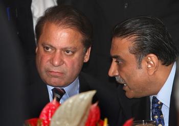 Opposition Leaders Meet In Show Of Strength Against Musharraf